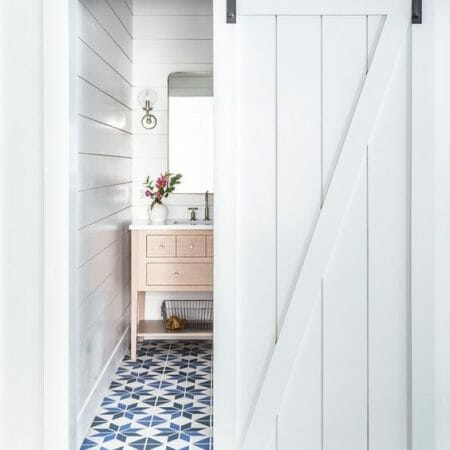 ROUNDUP! 20 BARN DOORS FOR EVERY STYLE OF HOME